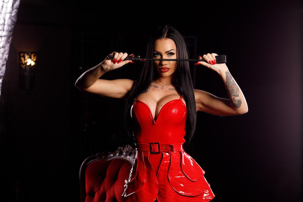 mistress-nattasha-black_03.jpg